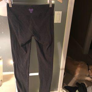 Aritzia dark grey leggings